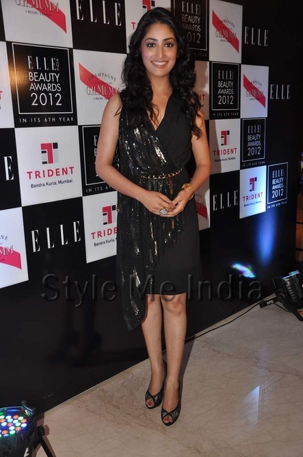 yami-gautam-at-elle-beauty-awards-2012-3