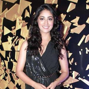 yami-gautam-at-elle-beauty-awards-2012-7